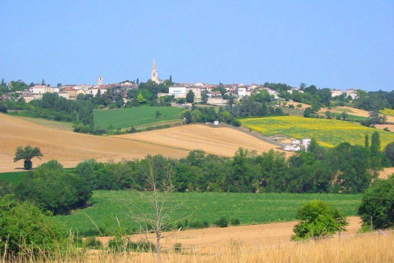 village de saint clar paysage point de vue église patrimoine vallon coteaux