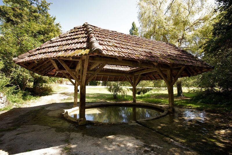 village de mauroux lavoir patrimoine