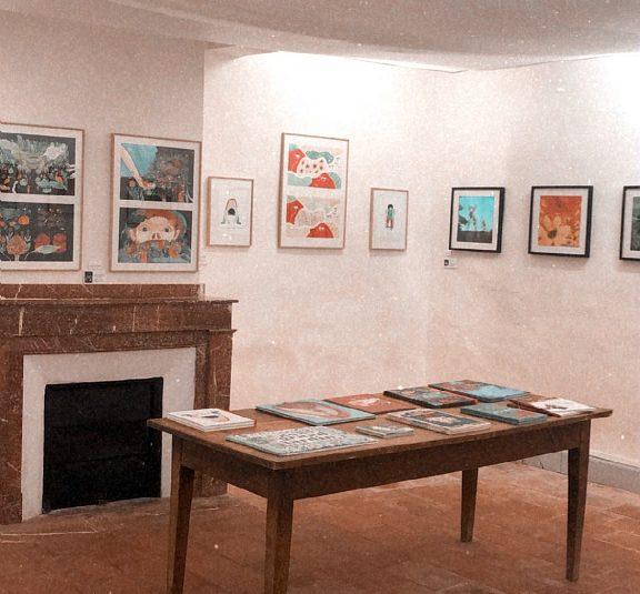 village de sarrant maison de l'illustration exposition
